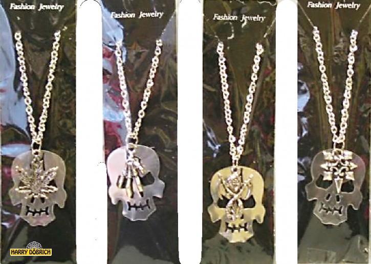 Halskette Totenkopf auf Karte sortiert