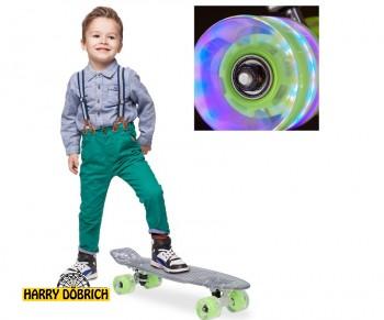 Skateboard 57cm LED Rollen grün